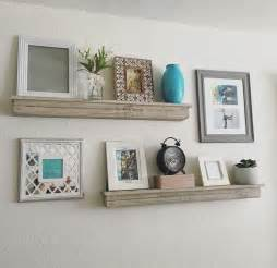 how to decorate a wall shelf 25 best ideas about floating shelves on pinterest