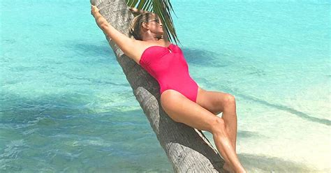 yolanda foster looks so good yolanda foster looks stunning while on vacation in tahiti