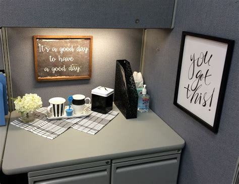 cubicle decor ideas 6090 best c u b i c l e n a t i o n images on pinterest