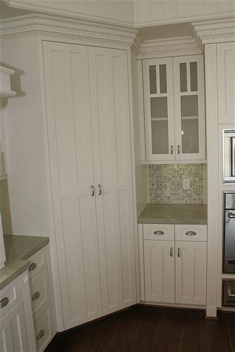 kitchen cabinets corner pantry 25 best ideas about corner pantry on homey