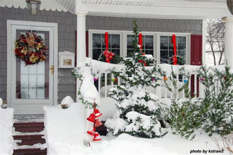 outdoor christmas decorations ideas porch outdoor christmas decorating ideas for an amazing porch