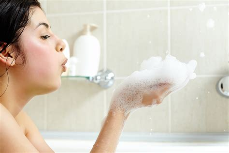bathtub xxx have a bath with bubbles 5 smile inducing activities to