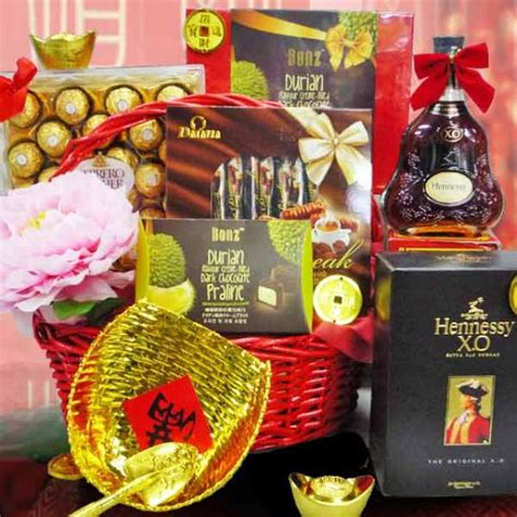 new year gift ideas singapore new year her gift basket singapore delivery