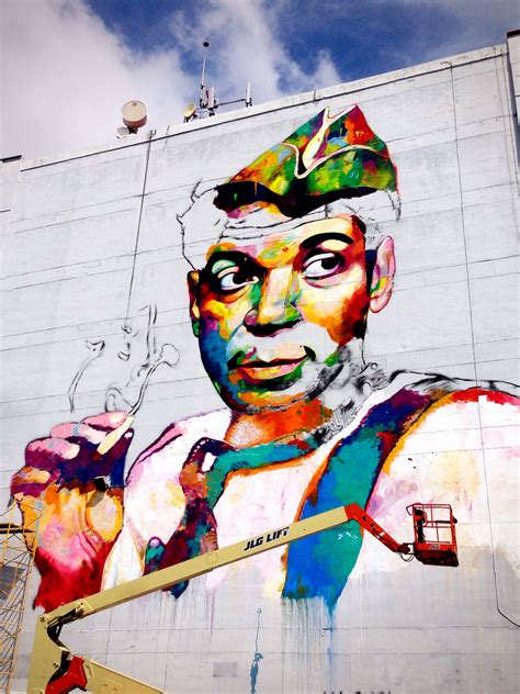 street art mural de cantinflas en guadalajara mexico