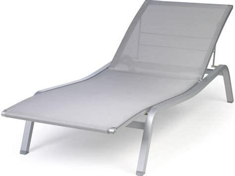 chaise longue fermob chaise longue de jardin aliz 233 fermob bain de soleil en