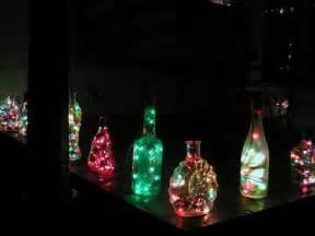flaschen beleuchten 30 coole recycling ideen f 252 r tolle m 246 bel und dekorationen