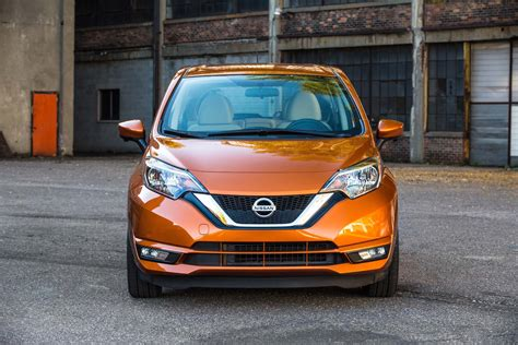 nissan note 2017 refreshing or revolting 2017 nissan versa note motor trend