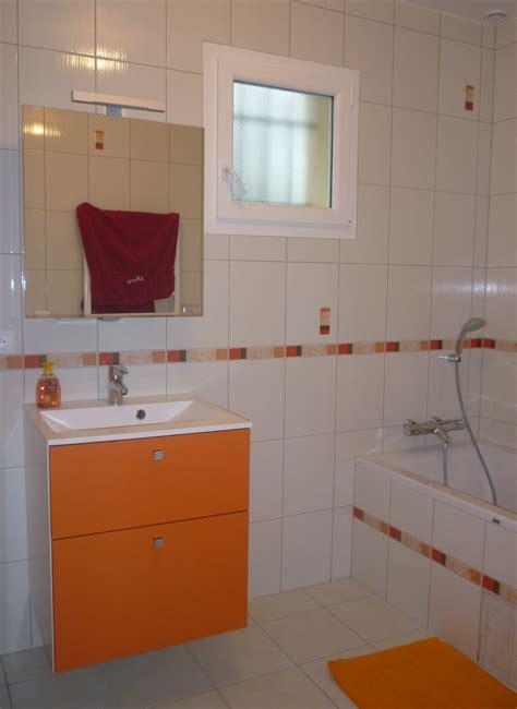 salle de bains photo 1 2 couleurs chaudes et gaies