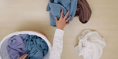 washing colored clothes tips and tricks for washing colored clothes tide