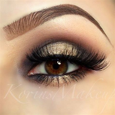 La Smokey beautiful smokey with a twist the inner corners and highlighted mid lid gives the