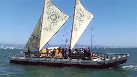 travel guide to hawaii traditional hawaiian sail boat - Hawaiian Boat