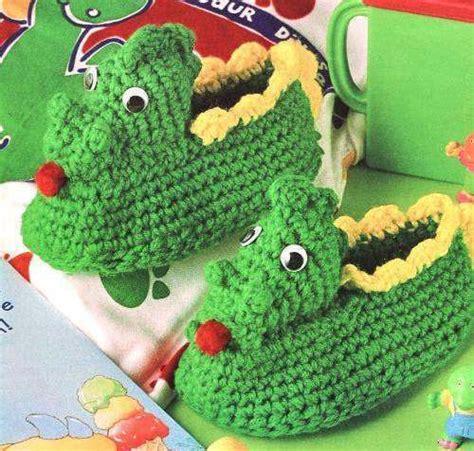 crochet dinosaur slippers dinosaur slippers crochet pattern boy childrens baby
