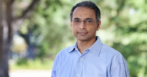 Robert Moody Of Chicago Mba by Madhav Rajan Appointed Dean Of Of Chicago Booth