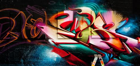 does graffiti graffiti trip the artist does visit different cities to