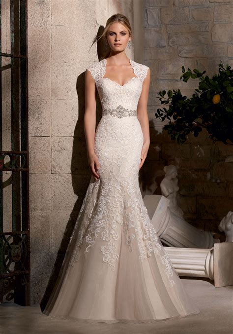 wedding dress beading majestic embroidery design on net trimmed with diamante