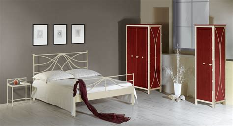 schlafzimmer mit metallbett modernes schlafzimmer komplett mit metallbett arica