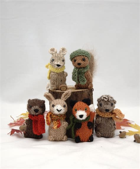 knit animals wee woodland wuzzies pattern by barbara prime to make