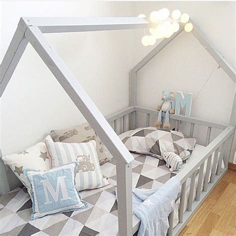 montessori floor bed 25 best ideas about montessori bed on pinterest toddler