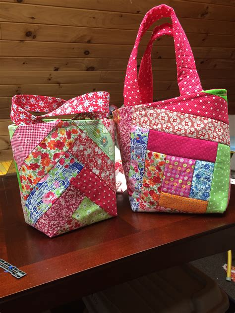 tutorial videos for quilting and tote bags tote bags inspired by a tutorial by missouri star quilt