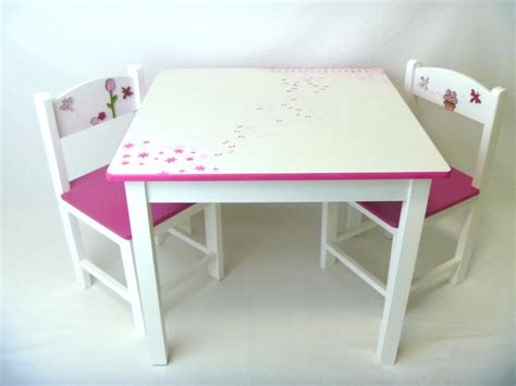 mesas y sillas madera mesa y sillas para ni 241 os en madera decoracion infantil