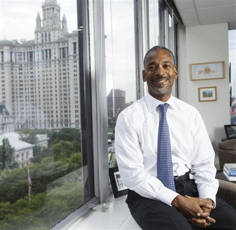 gehalt banker ex manager vom lehman banker zum sozialwohnungsverwalter