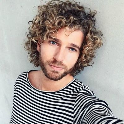 Curly Hairstyles Guys by The Best Curly Wavy Hair Styles And Cuts For The