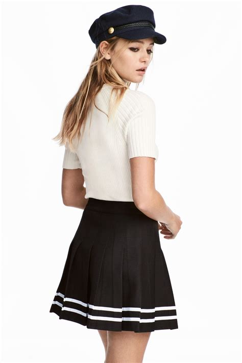 h m pleated skirt in black lyst