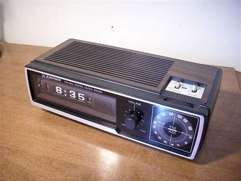 Dcf Number Search File Emerson Dcf 80 Flip Number Alarm Clock Radio Jpg Wikimedia Commons