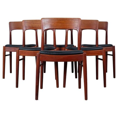 Set Of Six Dining Chairs In Teak By Kai Kristiansen At 1stdibs Kristiansen Dining Chairs