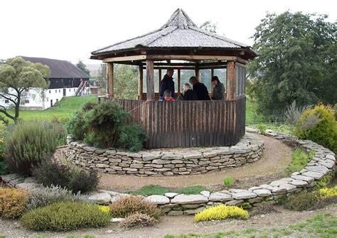 Pavillon Kleiner Als 3m by Kr 228 Uterspirale Anlegen Und Bepflanzen Die Besten Ideen