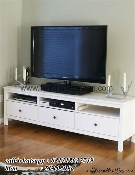 Meja Tv Simpel meja tv simpel minimalis model eropa furniture idaman