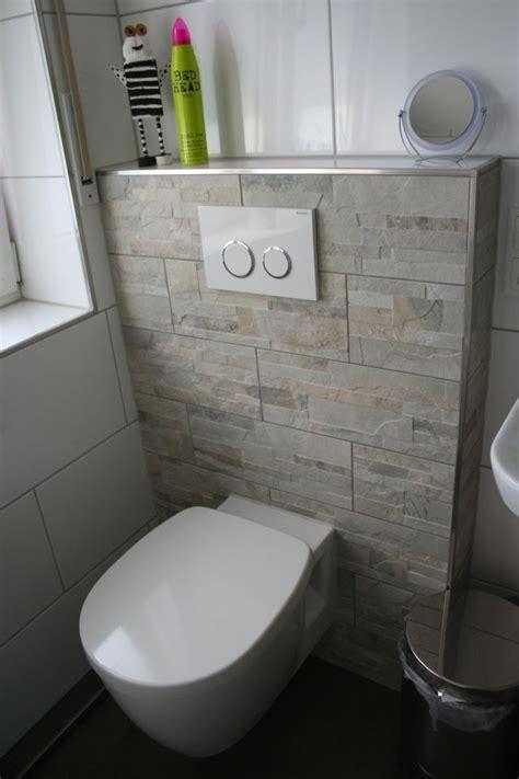 wc fliesen komplettbadsanierung neues bad mit dusche und badewanne