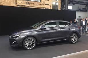 Hyundai 130 Review Hyundai I30 Fastback Unveiled Ahead Of 2018 Launch Autocar