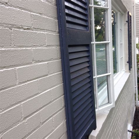 house shutter farben painted brick exterior ben edgecomb grey hale navy