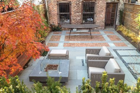 contemporary backyard ideas des id 233 es de design moderne pour une cour arri 232 re montreal outdoor living