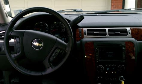 2007 Chevy Suburban Interior by 2007 Chevrolet Suburban Pictures Cargurus