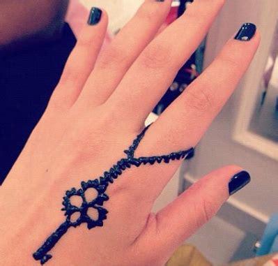 henna tattoo rings mashmoom lovely henna at hair time salon jabriya