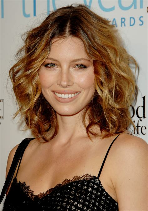 clavicut hairstyles jessica biel the clavicut the best celebrity midlength