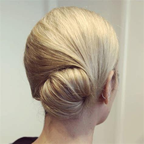 easy messy buns for shoulder length hair 20 easy updos for medium hair