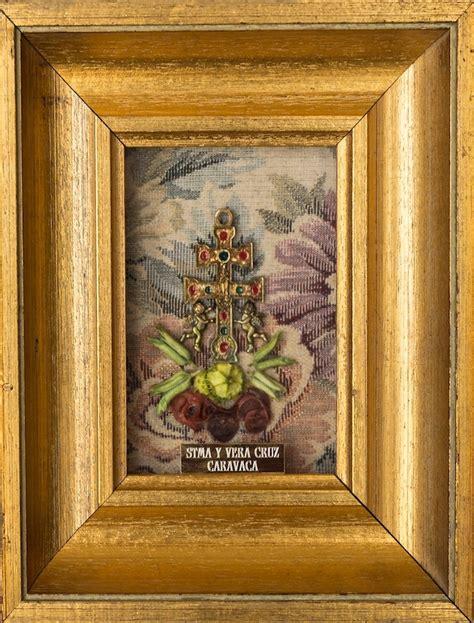 cuadro con marco cuadro cruz de caravaca hecho en marco con dorado antiguo