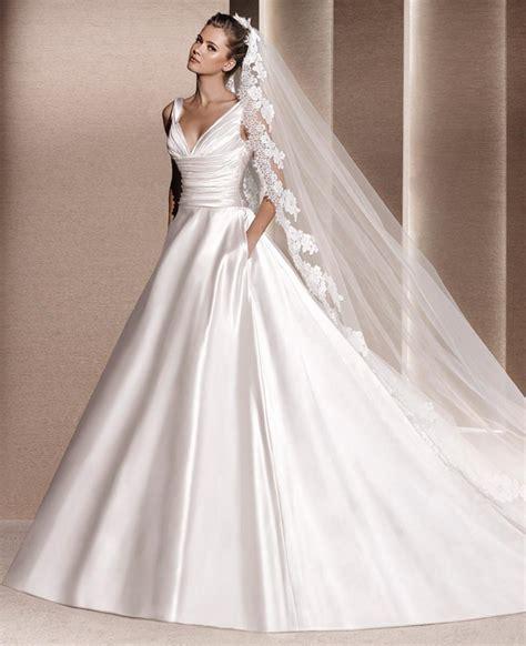 Hochzeitskleid Satin by Welchen Stoff F 252 Rs Brautkleid Ein Kleines Lexikon
