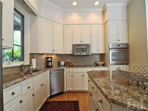 wall to wall cabinets wilmington nc 90 best images about kitchen on