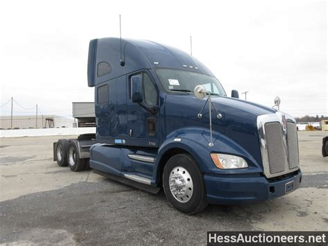 used 2012 kenworth t700 tandem axle sleeper for sale in pa