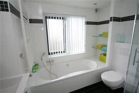 desain kamar mandi minimalis dengan bathtub contoh desain kamar mandi minimalis bersih dan indah
