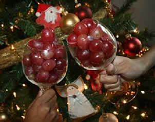 imagenes de uvas de año nuevo el universal llenan rituales y conjuros la 250 ltima