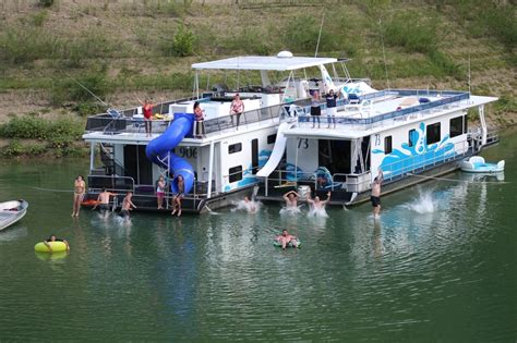 Houseboat And Cing Gear Rentals At Lake Cumberland