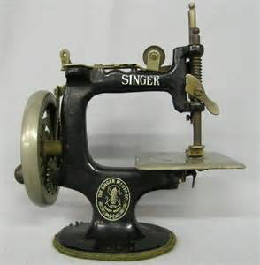 miniature singer sewing machine 1163 vintage miniature salesman singer sewing machine