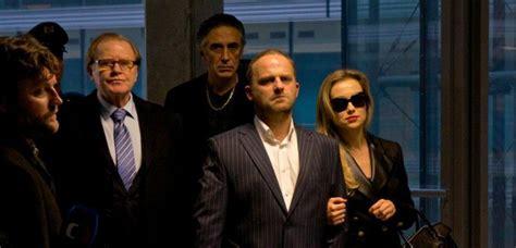 film gangster ka snaživ 253 gangster ka aneb drsn 253 mafi 225 n v česk 233 m bl 225 t 237 čku