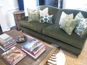 Sofa Throw Pillow Ideas 25 Best Ideas About Olive Living Rooms On Olive Green Rooms Olive Green Paints And