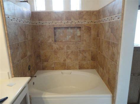 Irvine Soaking Tub With Rain Glass Shower Doors & Recessed